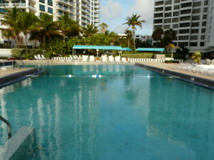 Hollywood Beach condo; Ocean front; Ocean view; 15 mn to airport