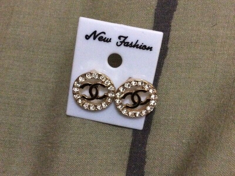 Brand New Faux Diamond Round Black and Gold Chanel Like Earrings