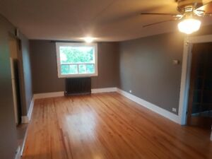 One Bedroom in Hill District - Heat, Hydro, Wifi, Parking incl.