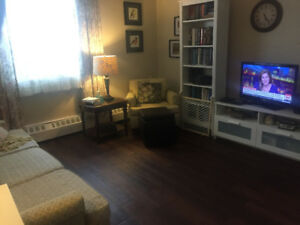 1 bdrm, close to brow, avail. Oct 1st