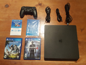 Playstation 4, 1 controller, 2 games