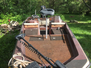 Bass boat with 150hp mercury black max