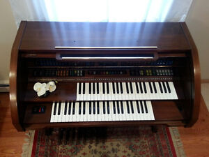 Lowrey Organ LC-35 walnut finish