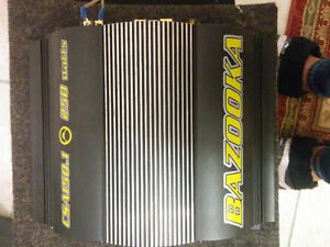"Subwoofer speaker 10"" box & Amp 250 watts. Cambridge Kitchener Area image 4"