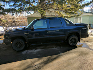 2004 Chevy avalanche! LOW MILEAGE