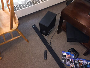 Samsung sound bar with optacl cord and sub
