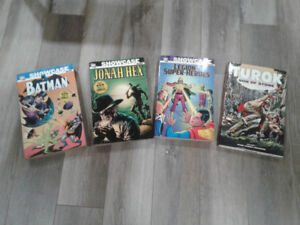 Lot of comics: softcover and hardcover, issues and trades