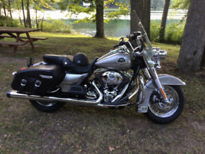 2009 FLHRC Road King Classic
