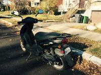 Motocyclette/Scooter noir 50cc