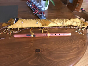 Native Flute and handmade leather flute bag with Pendelton inser