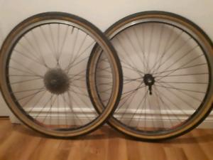 """Handbuilt Strong 26"""" Wheelset"""