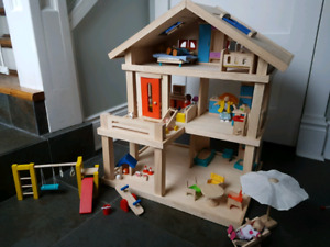 Plan Toys Doll house