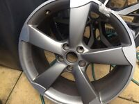 Audi rs3 genuine alloy (curb damage)