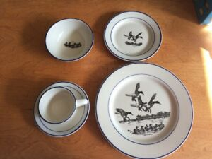 DUCKS UNLIMITED complete set of dishes.