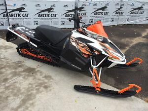 Arctic Cat XF 8000 High Country Sno Pro LOW KMS W/ Warranty
