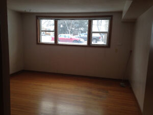 Bachelor Apartment available in Old Lakeview Regina Regina Area image 4