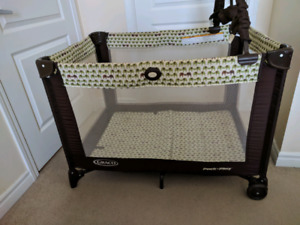 Graco Pack n Play bed and playground for babies and toddlers