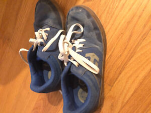 Kids Enties shoes - size 3