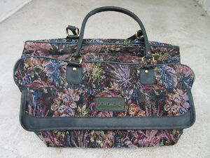 Vintage Jordache Floral duffel carry on travel overnight bag