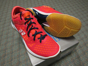 Yonex SHB03Z Size 8.5 Men/ 10 Women badminton shoes