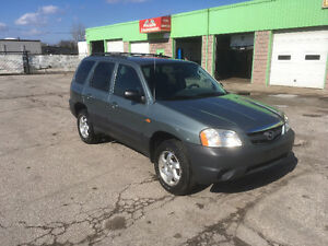 2004 Mazda Tribute DX SUV, Crossover