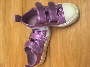 EUC size 8 joe fresh toddler girl shoes, two pair for 5