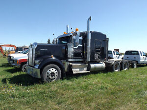 Kenworth W900 T/A Truck Tractor