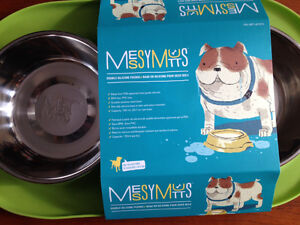 New! Messy Mutts double silicone feeder Green Reduced!! Kitchener / Waterloo Kitchener Area image 2