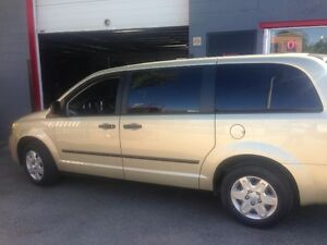 2010 Dodge Grand Caravan SE STOW AND GO!!!