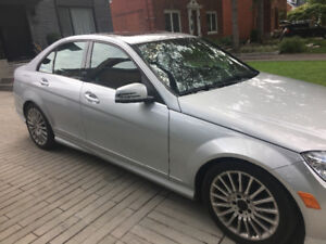 Mercedes-Benz C250, 2010 impeccable !