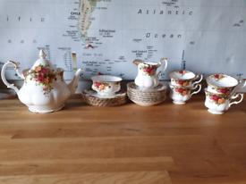 Royal Albert tea set, Old Country Roses