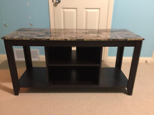 Barely used tv table in excellent condition