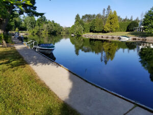 Luxury Bracebridge Waterfont Townhouse