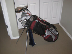 Complete set golf clubs. Canadian Tire