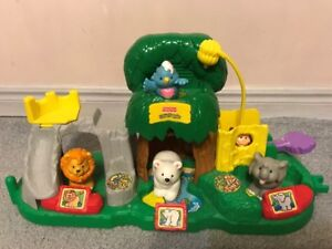 Fisher Price Little People Zoo