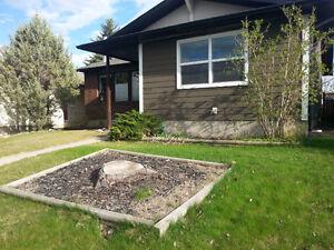 Freshly renovated 2 BEDR, CLOSE TO TRANSIT & Fish Creek Park