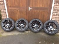 Alloy wheels gloss black
