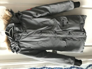 Canada Goose Ladies Trillium Parka in Mid Grey