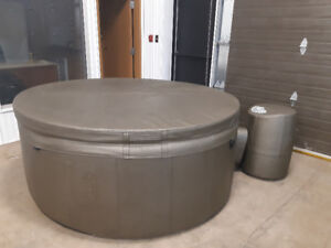 Softub for sale $2500.00