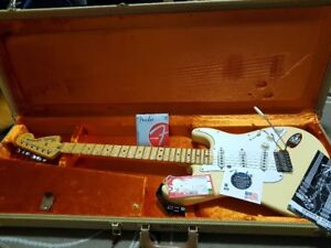 Authentique Fender Strat USA ,Malmsteen , pas d'échange.