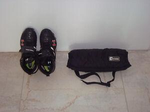NEGOTIABLE! JUNIOR FOOTBALL SHOES size 7 et CHAUFFE-MAINS Gatineau Ottawa / Gatineau Area image 3