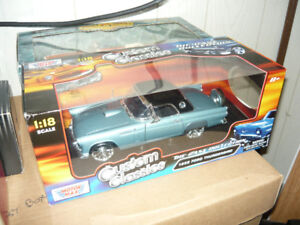 MIB 1956 Ford T-Bird 1:18 die cast Motor Max Custom Classics