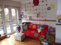 Colourful houseshare off Broad Street