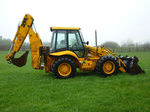 JCB Backhoe with Clam-shell bucket