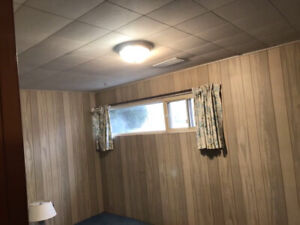 ROOM FOR RENT BASEMENT   SCARBOROUGH STUDENTS/ BACHELORS