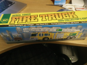 BP Aerial Tower Fire Truck 1999 collector's edition