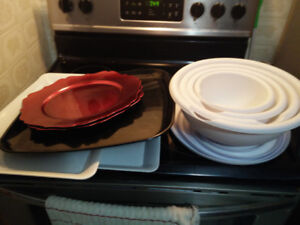 Food Trays and Bowls