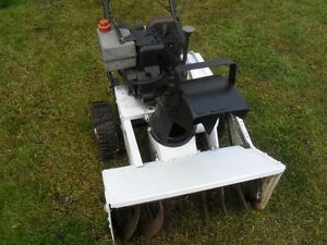 "Older Roper 22"" snow blower 4 hp tecumseh. Prince George British Columbia image 3"
