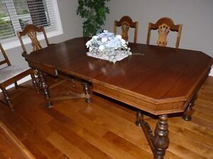 Antique dining table, buffet, 6 chairs.