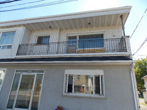 Upper level 3 bed with Balcony